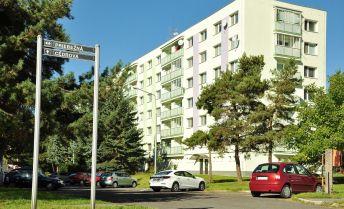 4-izbový byt v pôvodnom stave, výborná adresa