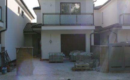 NOVOSTAVBA! - Rodinný dom v Šamoríne s garážou