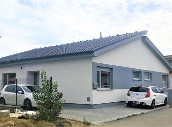 ***NOVOSTAVBA: Kvalitne vyhotovený 3 izb. bungalov s možnosťou dokončenia do ŠTANDARDU!!**