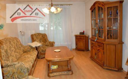 REZERVOVANÝ!!! DMPD real vám ponúka na predaj 2 izbový byt v Prievidzi na Starom sídlisku.
