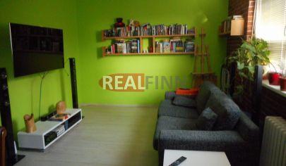 Realfinn- ZNÍŽENÁ CENA- predaj trojizbový byt s 2 balkónmi po rekonštrukcii Nové Zámky