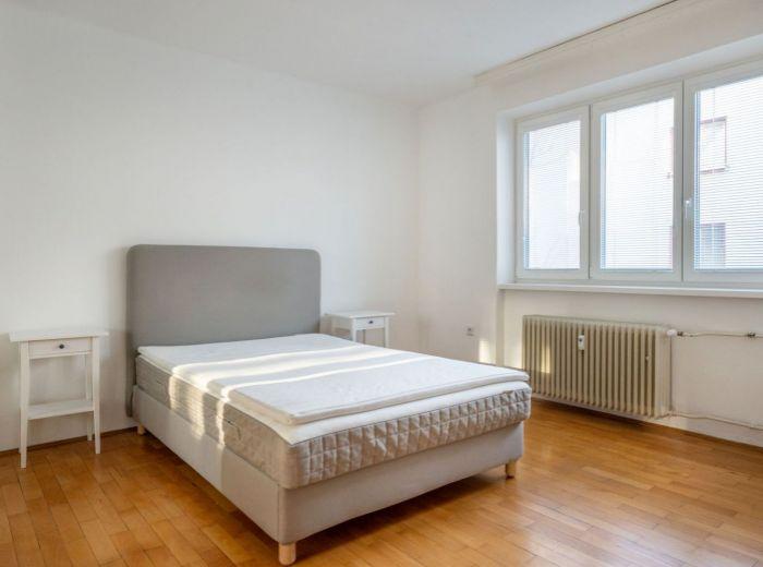MILETIČOVA, 2-i byt, 63 m2 – PRIESTRANNÝ a ZREKONŠTRUOVANÝ byt v ŽIADANEJ lokalite