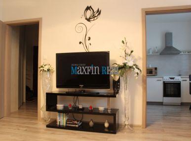 MAXFIN REAL na predaj krásny kompletne zrekonštruovaný 2 izb byt Jedlíkova ul. Nitra