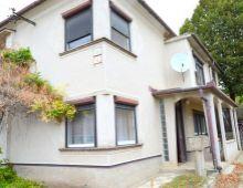 Na predaj 5i rodinný dom v pôvodnom stave v tichej lokalite obce Šrobárová, len 15 km od Komárna, na pozemku 786 m2