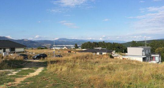 Pozemok na bytovú výstavbu v Radvani