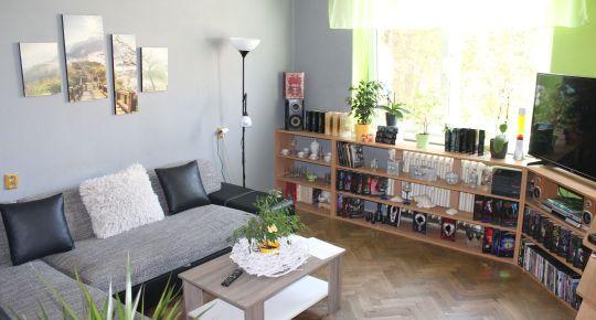 EXKLUZÍVNE 2 izbový byt na predaj, ulica Partizánska cesta, balkón