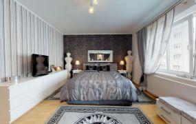 Na predaj 3 izbový byt s dvomi kúpeľňami a 2 x loggia, 94 m2 s vlastným kúrením  + garáž a 2 x parkovacie státie,Trenčín - Sihoť I.