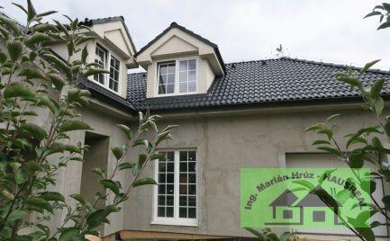 EXKLUZÍVNE!!Priestranný 5-izbový RD, 200 m2, garáž, terasa, 6 km Vráble
