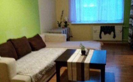 Predaj, trojizbový byt  s loggiou a komorou v Senici