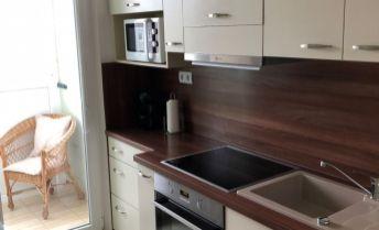 Na predaj luxusný nadštandardne prerobený 3 izbový byt v Prievidzi