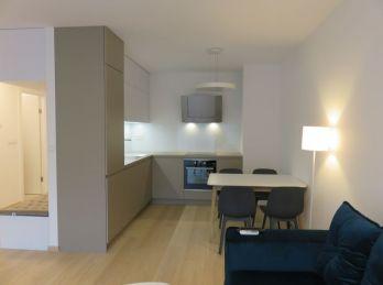 BA III.Nové Mesto- 2 izbový luxusný byt v URBAN RESIDENCE