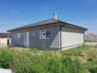 REALFINANC - 100 % aktuálny, 4 izbový Rodinný Dom, BUNGALOV, Novostavba, plocha 118 m2, pozemok 493 m2, Hrubý Šúr !!!