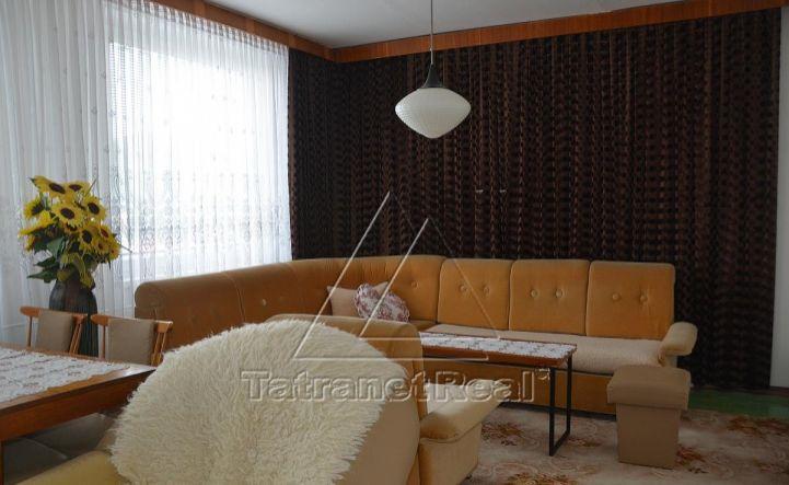 Veľký 3 izbový byt na ulici Osloboditeľov na predaj