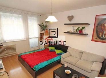 Prenájom 1 - izbového bytu na Novohorskej ulici, Bratislava - Rača.