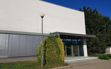 Administratívno-prevádzková budova na predaj