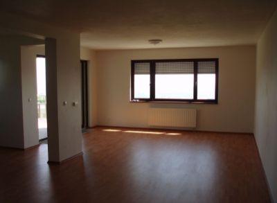 Exkluzívny 4-izbový byt v lukratívnej časti Bratislavy-Nové Mesto na predaj
