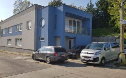 Predám budovu na všestranné využitie v Nitre, 3 km od diaľnici.