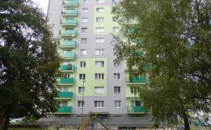 Dvojizbový byt s balkónom pri nemocnici, Žiar nad Hronom.