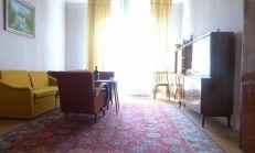 Lukratívny 3 izbový tehlový byt v pôvodnom stave,v pešej dostupnosti centrum, SEVER