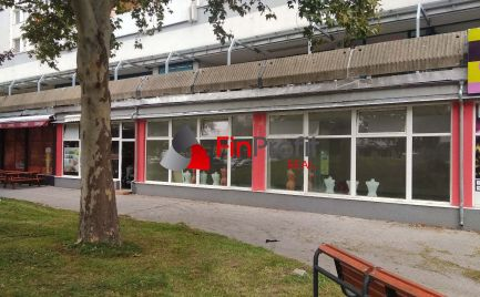 Na prenájom zrekonštruovaný obchodný priestor s výkladmi (360 m2) v Petržalke.