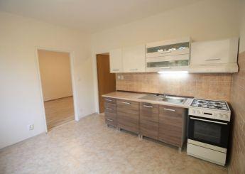 Veľký 2i byt s balkónom na prenájom, nepriechodné izby, Nitra – Chrenová