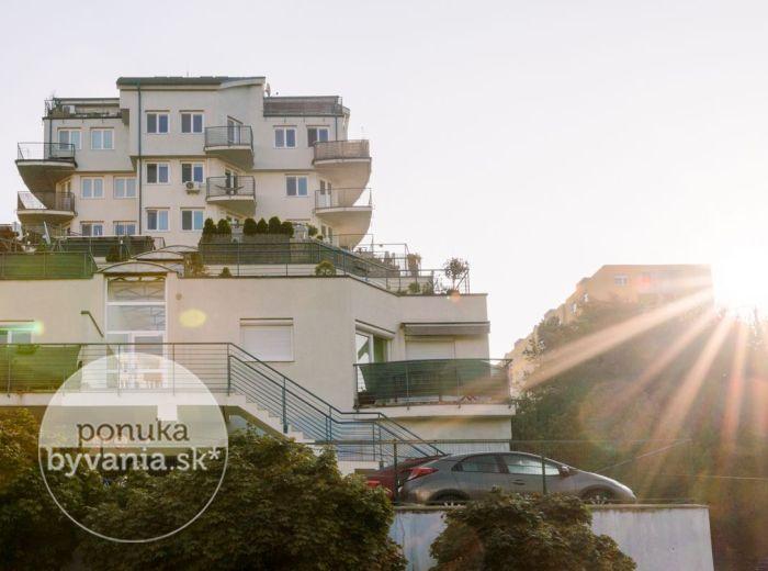 PREDANÉ - MAJERNÍKOVA, 4-i byt, 129 m2 - BLÍZKO LESA, vlastné PARKOVANIE, pokoj a ticho, TEHLOVÁ novostavba