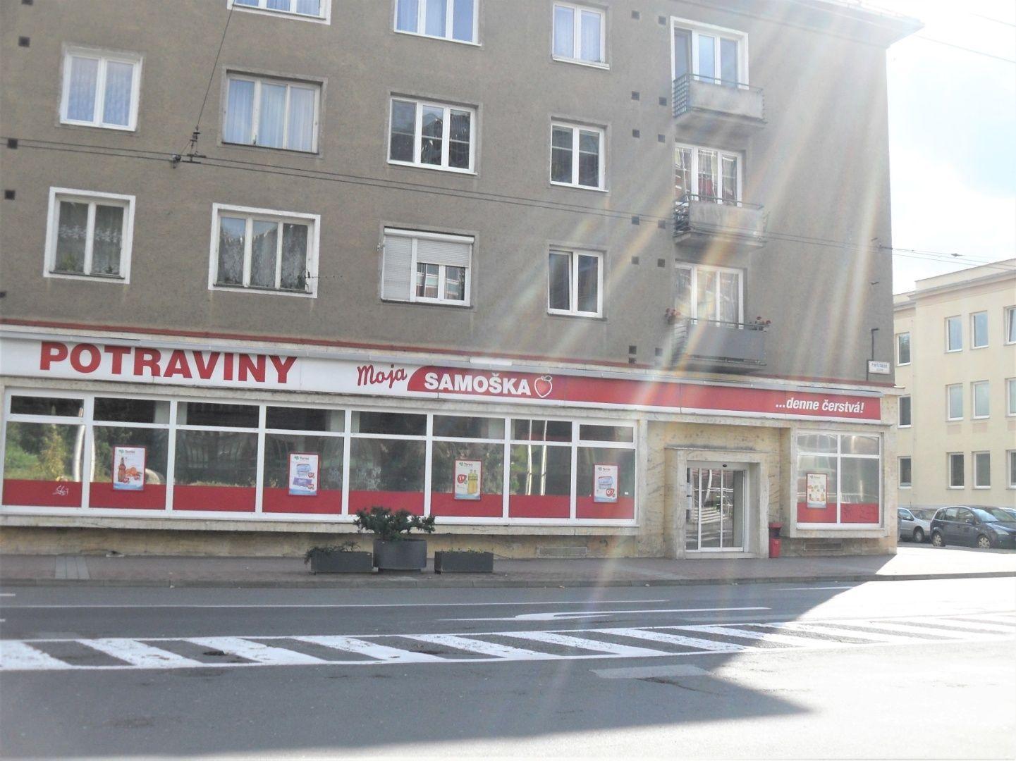 Obchodný objekt-Predaj-Banská Bystrica-615000.00 €