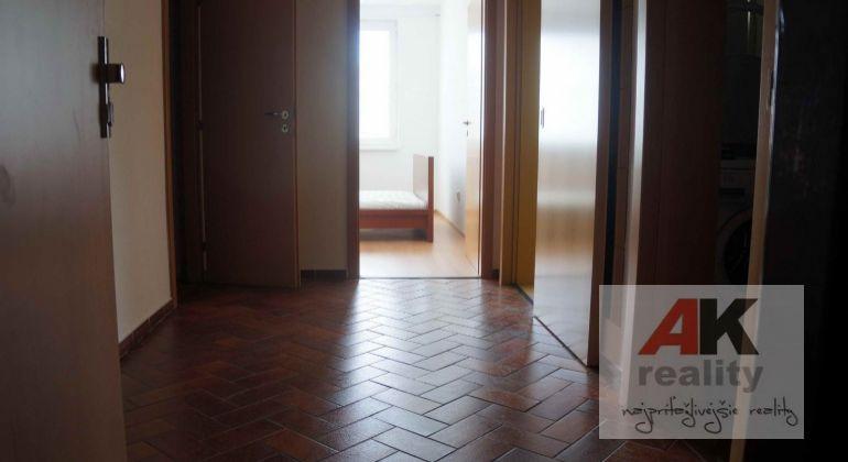 Prenájom 2 izbový byt Bratislava-Vrakuňa, Bebravská