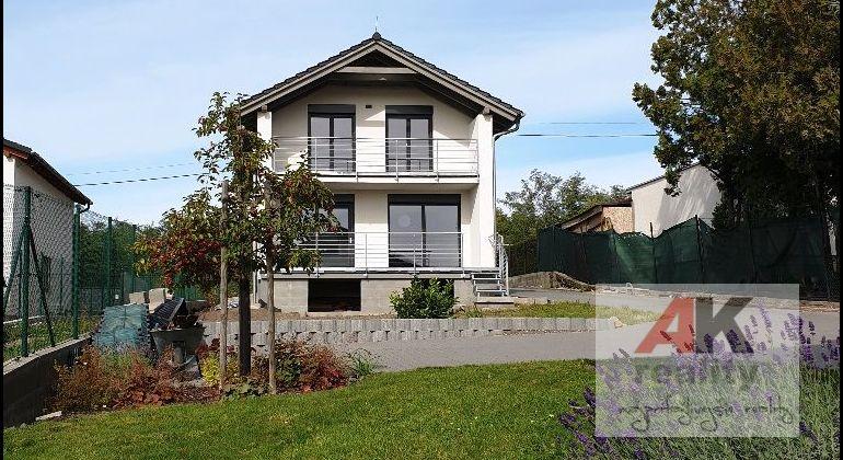 PRENÁJOM – krásna, moderná novostavba 5-izbového rodinného domu s garážou, Stupava , Lesná ul