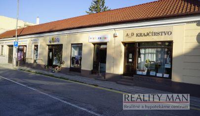 REALITY MAN – EXKLUZÍVNE – Štyri obchodné prevádzky s výkladom + obytná časť RD, 412 m2, priamo v centre - Rázusova , Piešťany