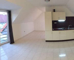 Prenájom 2 izb. mezonetový byt, Nitra, širšie centrum, 017-212-FIK