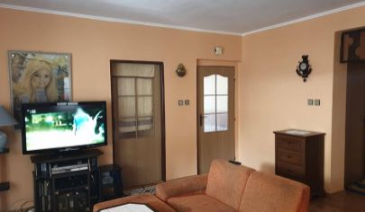 EXKLUZIVNE BOJNA 4 izbový dom. pozemok 800 m2