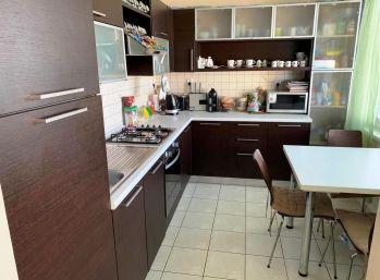 2-i byt, 64 m2 –kompletná REKONŠTRUKCIA, BALKÓN