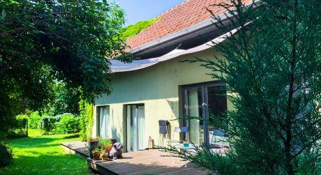 Vidiecky rodinný dom s krásnou sadovou záhradou na predaj v Bernolákove.