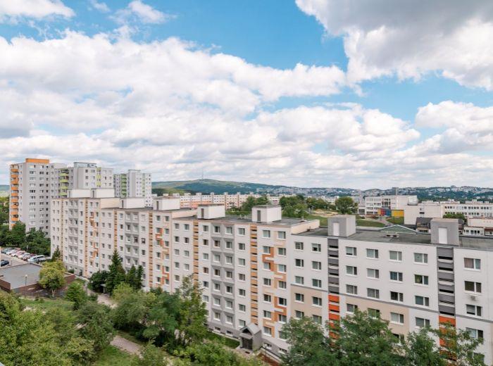 VETERNICOVÁ, 4-i byt, 87 m2 - LES, krásne výhľady, POKOJ A TICHO, rekonštrukcia PODĽA PREDSTÁV