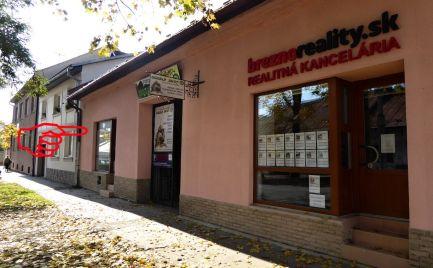 Priestor na prenájom s výkladom - Rázusova ulica - Brezno