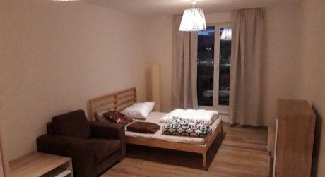 Kuchárek-real: Ponuka 1 izbového, klimatizovaného bytu s Francúzskym balkónom.