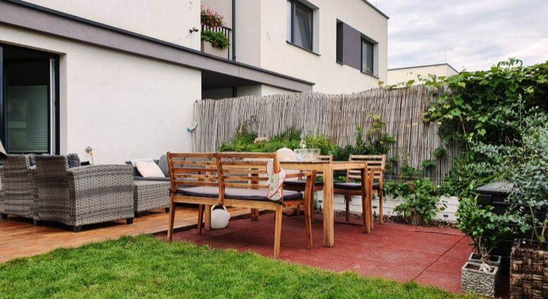 JEDINEČNÝ 3-izbový byt v novostavbe RD so záhradou, 2 parkovacie miesta - Bernolákovo, Pšeničná ul.
