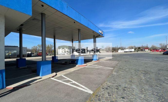 Priestor 45 m2 na kanceláriu, e-shop, showroom v stráženom areáli na Rožňavskej ulici