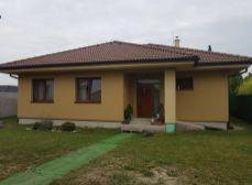 Okres Senec, obec Hurbanova Ves  - NA PREDAJ novostavba - 5 izbový rodinný dom bungalov na veľkom pozemku