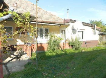 Predáme RD s veľkým pozemkom v obci Hájske