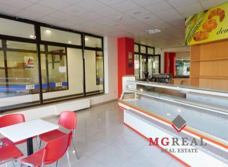 Na prenájom 135,45 m² priestor pre gastronomické služby v centre Trnavy