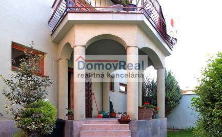 Veľmi pekný rodinný dom, aj pre účely podnikania v centre mesta