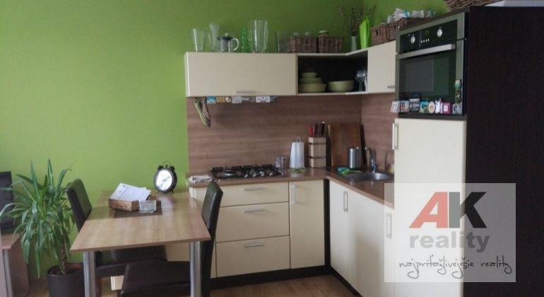 Prenájom 2 izbový byt Bratislava-Ružinov, Muškátová