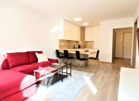 Na prenájom úplne nový 2 izbový byt v novostavbe Stein 2 na Bernolákovej ulici s loggiou