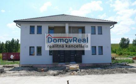 VÝSTAVBA V PLNOM PRÚDE! - Nové 3 izbové byty s pozemkom
