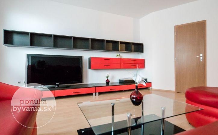 PREDANÉ - VYŠEHRADSKÁ, 2-i byt, 64 m2 - NOVOSTAVBA, tehla, výborné NAPOJENIE na hlavné ťahy, ZARIADENÝ