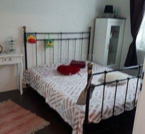 StarBrokers – PREDAJ: štýlový 3-izb. byt 59 m2 s vysokými stropmi na 2/4 p. - Bratislava Staré Mesto, Dobšinského