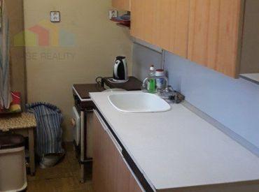 3 - izbový byt v tehlovej bytovke, pôvodný stav.