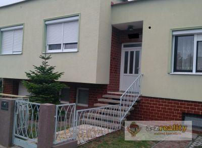 2869 Ponúkame Vám na predaj dom neďaleko Berku v Nových Zámkoch